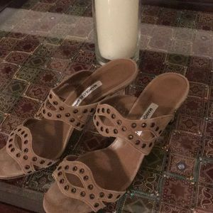 Manolo Blanik slip on heels